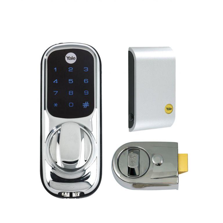 Yale y dl01 y3 chrome digital door lock with nightlatch for Door yale lock